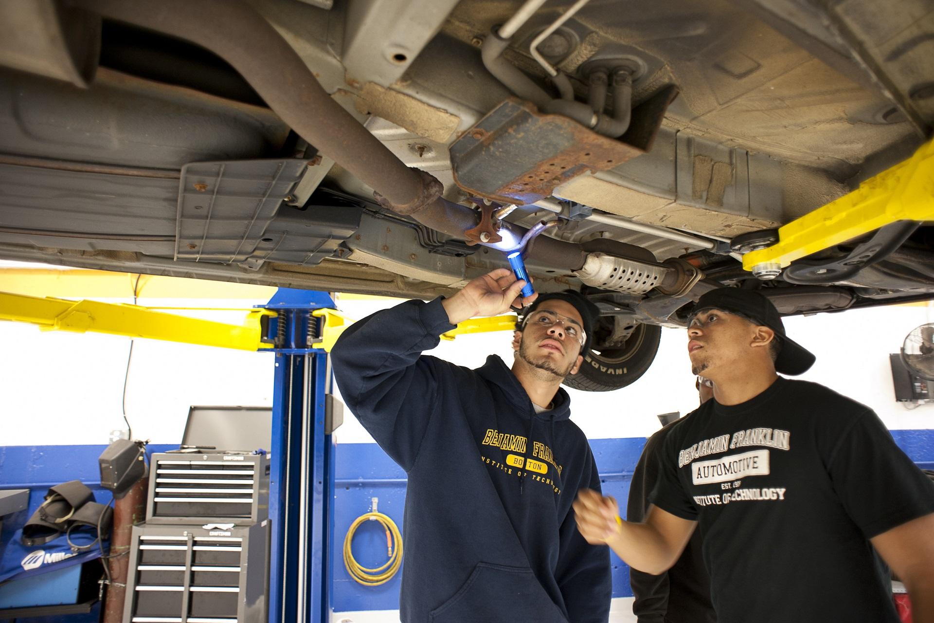Automotive Technology Degrees - A Wide Open Field